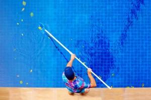 mantener limpia tu piscina de obra valencia