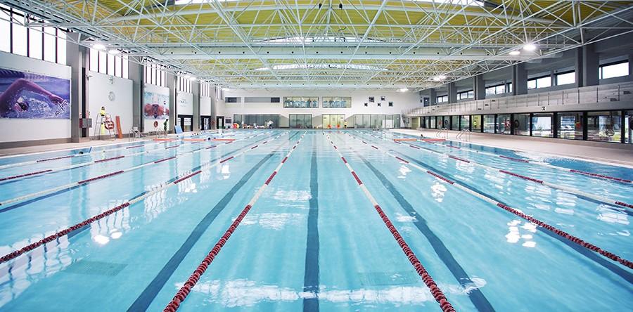 La ocu clasifica las mejores piscinas cubiertas de espa a for Construccion piscinas valencia
