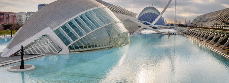 Cómo elegir empresa de construcción de piscinas en Valencia